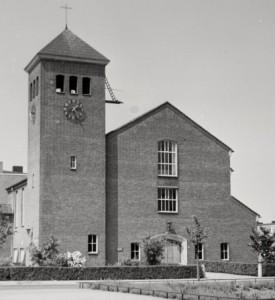 De grote Bethelkerk aan de Burgemeester Norbruislaan werd in 1955 in gebruik genomen.