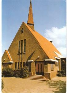 De in maart 1936 in gebruik genomen nieuwe gereformeerde kerk.