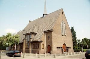 De WEsterkerk aan de Lingestraat die in 1938 in gebruik genomen werd, maar in `1946 aan de vrijgemaakten werd overgedragen (foto Reliwiki, J. Sonneveld).