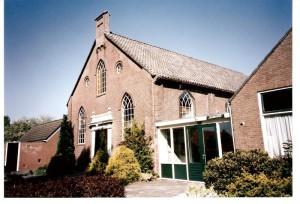 De gereformeerde kerk te Nieuw-Buinen (foto: Reliwiki, G. Bennink).