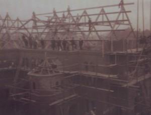 De bouw van de gereformeerde Nieuwe Kerk te Kampen (1912).