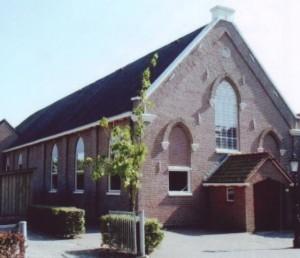 Ds. F. Rispens (1862-1926) stond, voordat hij door de 'voortgezette' Chr. Geref. Gemeente te Suawoude beroepen werd, van 1892-1898 in de Gereformeerde Kerk B te Steenwijk.