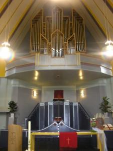 Het interieur van de Ontmoetingskerk.