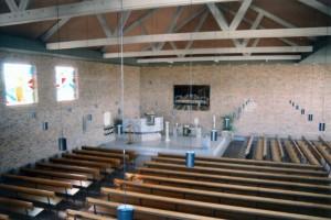 Het interieur van de gereformeerde Kruiskerk (foto: Reliwiki).
