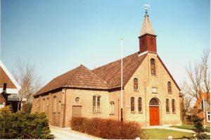 De voormalige gereformeerde kerk te Kruisweg (Gr.).