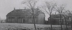 De gereformeerde school, die in 1913 geopend werd.
