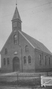 De kerk te Kruisweg bij de oplevering.