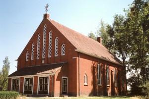 De pas gesloten gereformeerde kerk te Niezijl (foto: Reliwiki, Andre van Dijk).