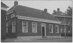 De pastorie waar oefenaar Veerbeek woonde (uit: 'Hoe God Zijn kerk bewaart').