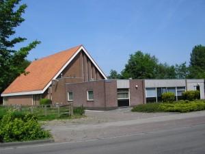 De nieuwe gereformeerde kerk te Opeinde.
