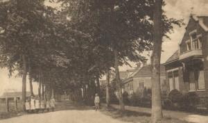 een kijkje in een van de oude straatjes: de Stationsstraat