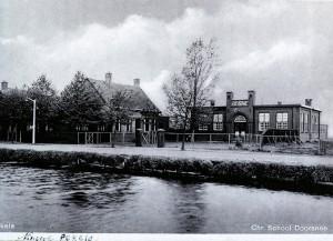 Een van de twee destijds opgerichte christelijke scholen.