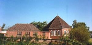 De gereformeerde Kerk 'De Rank' aan het Hoendiep te Enumatil, die per 1 januari 2017 gesloten wordt.