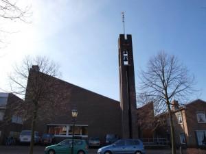 De in 1969 in gebruik genomen gereformeerde Immanuelkerk aan de Kerkstraat in Rijnsburg blkijft open