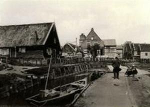 De oude hervormde kerk op Marken, die in 1903 werd afgebroken.