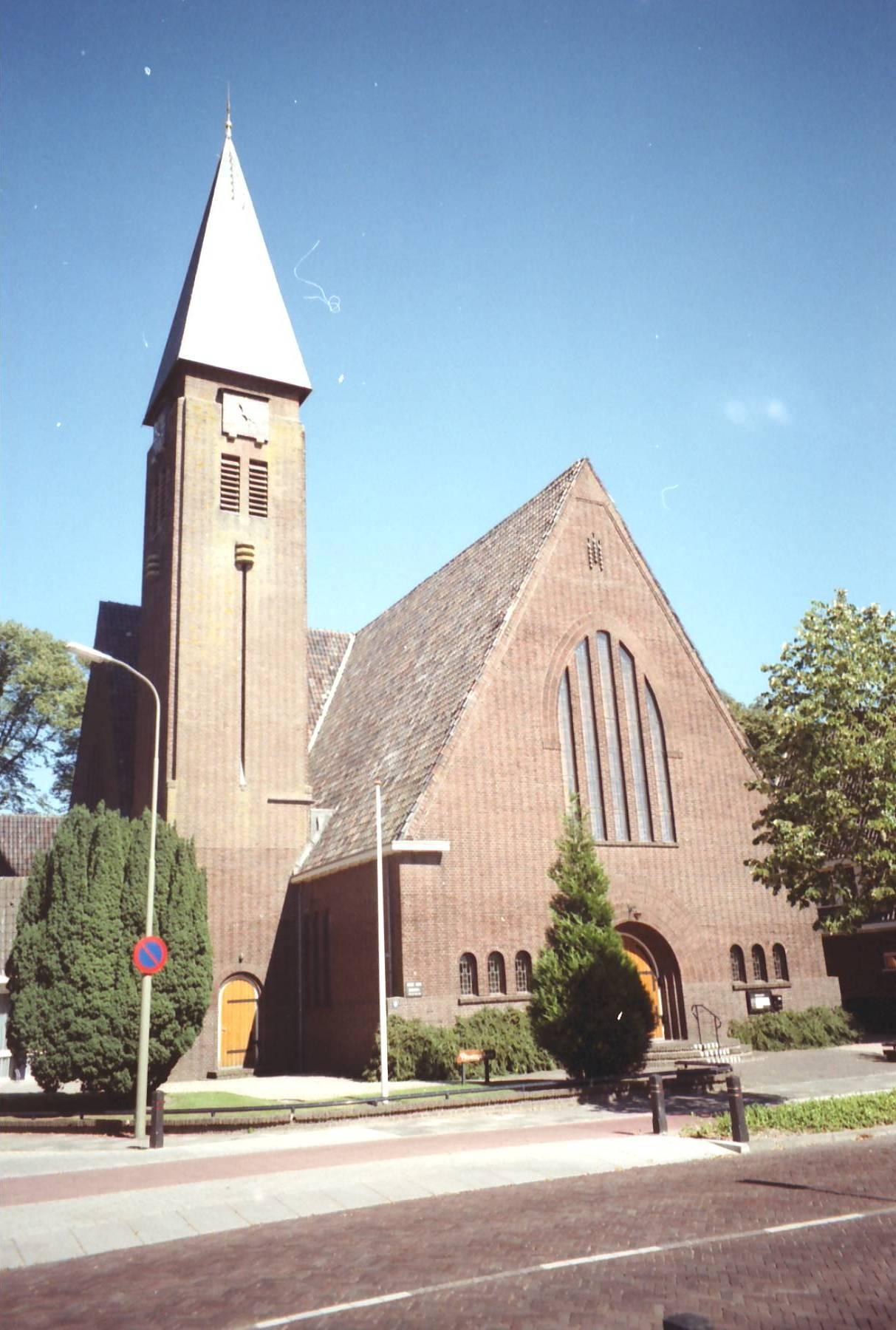 bouw katholieke kerk en protestantse kerk