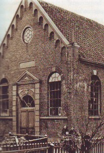 De kerk die in 1860 gebouwd werd.