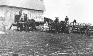 De boeren van Drenthe leverden melk aan de melkfabriek, vlak ten noorden van Drenthe.