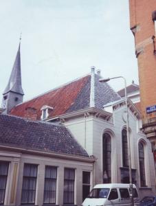 Toen de Zuiderkerk te gevaarlijk werd, kwam men o.a. in de hervormde Pelstergasthuiskerk bijeen.