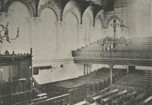 Het interieur van de Oosterkerk.
