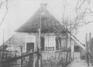 In dit huis in de Roggestraat werden aanvankelijk kerkdiensten gehouden.