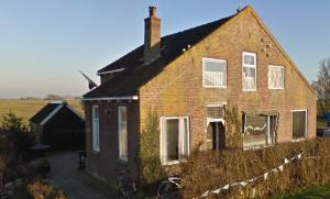 Het kerkje aan de Jeltewei 15 te Hommerts werd later omgebouwd tot woning.