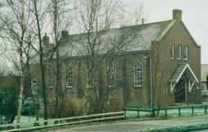 De gerefoormeerde (voorheen Dolerende) kerk te Hommerts.