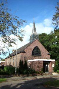 De gereformeerde kerk in 2010 (foto: Reliwiki, H. Elsinga Woudenberg).