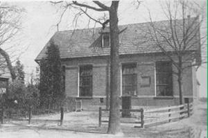 De (aanvankelijke gereformeerde) Christelijk-Nationale School te Epe.