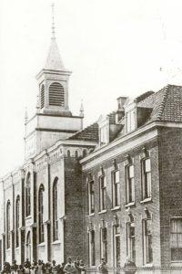 De dolerende 'Nieuwe Kerk' aan de Singel te Barendrecht
