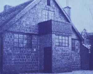 Een zeldzame foto van de hulpkerk aan de Coendersweg.
