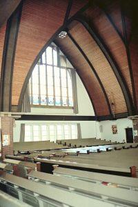 Het interieur van de Bethelkerk (foto: Reliwiki, Andre van Dijk).