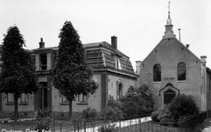 Het kerkje in Oostzaan in de oorspronkelijke toestand.