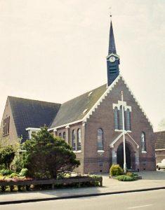 De huidige gereformeerde kerk te Duurswoude (foto: mevr. A. Stok-Britting).